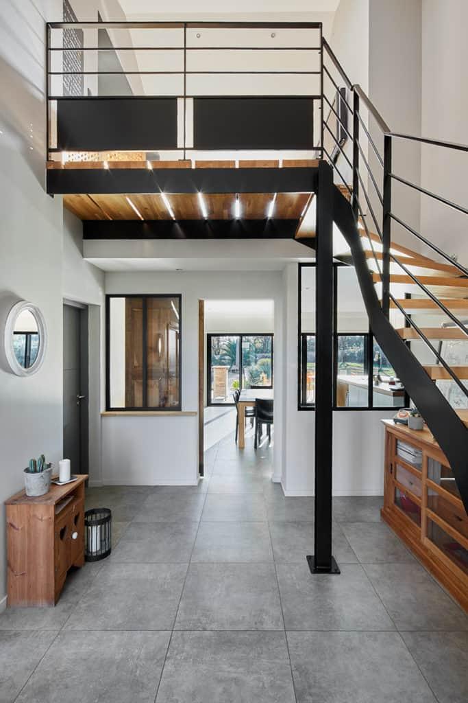 entree_escalier_mezzanine_villa côte de Jade