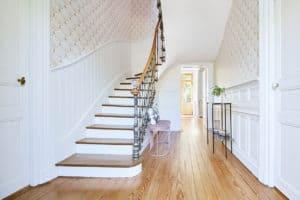 entree_maison_charme_escalier