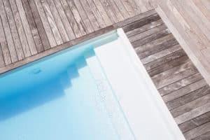 piscine_escalier_terrasse_bois