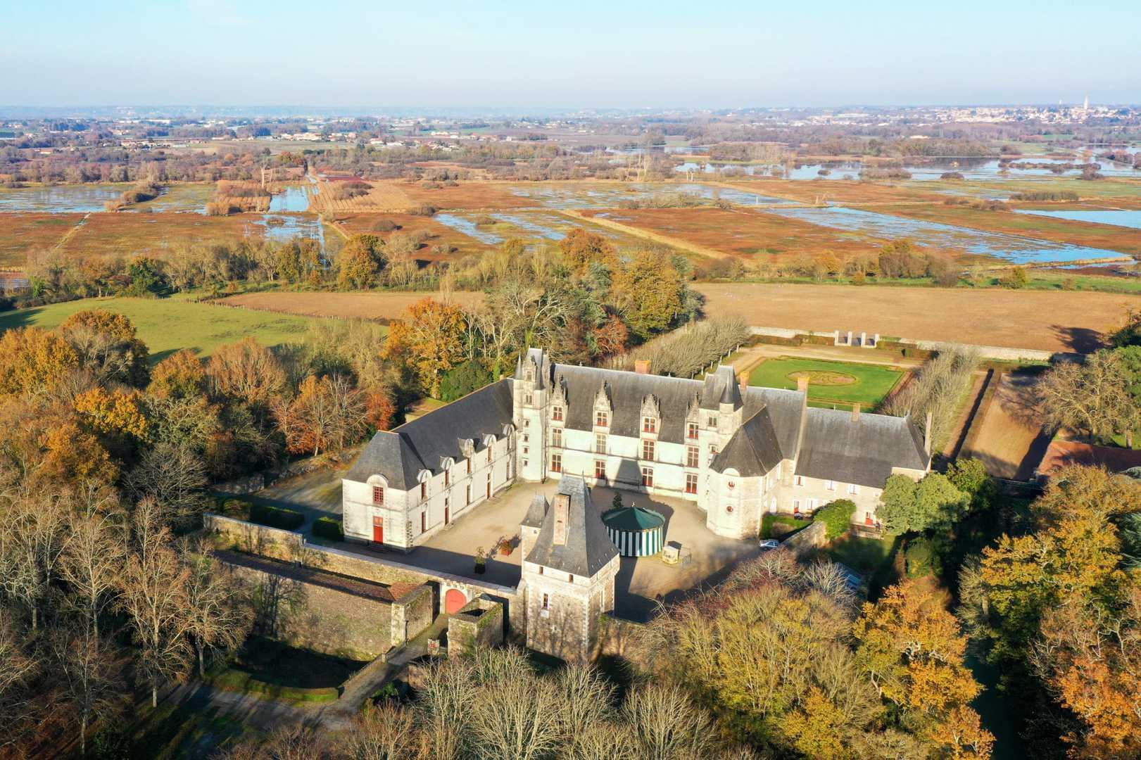 Photo drone Chateau de Goulaine