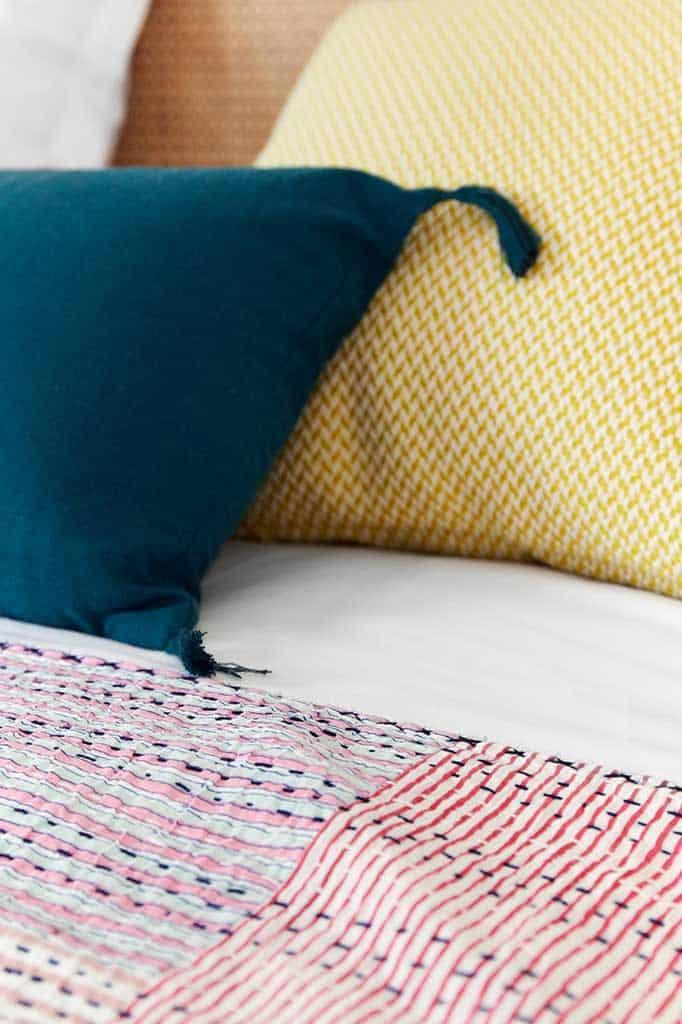 détail textile de la chambre 4