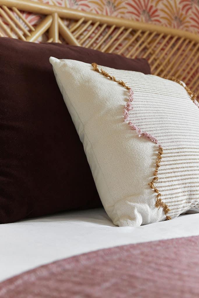 détail textile de la chambre 5