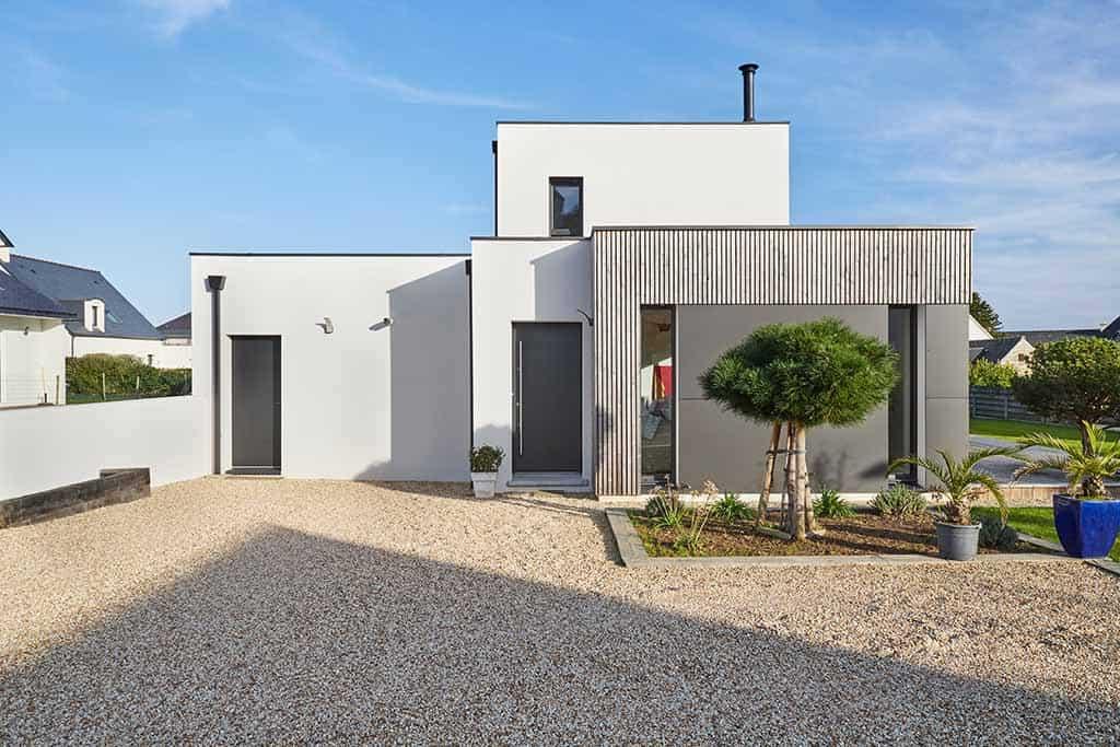 façade avant de la maison au style contemporain