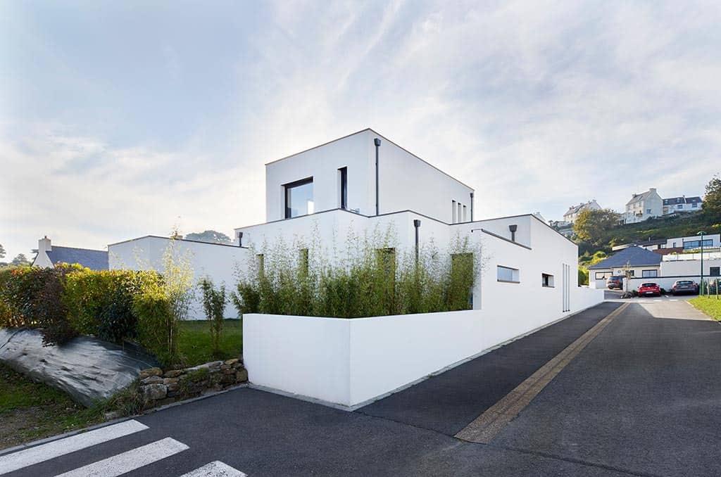 vue d'ensemble de la maison au style contemporain