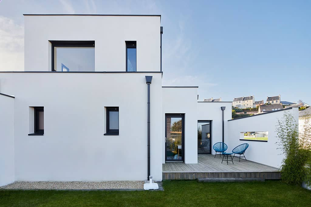 Arrière de la maison au style contemporain