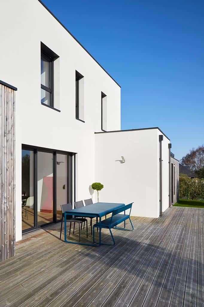 Maison et terrasse bois au style contemporain